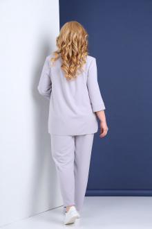 Брючный костюм Tensi 308 светло-серый